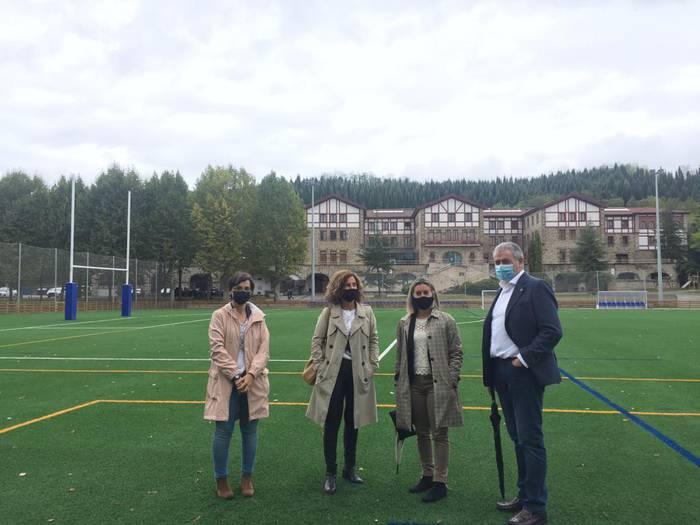 """Amaitu dira """"El Refor"""" erabilera anitzeko futbol zelaiaren eraikuntza lanak"""