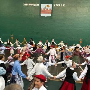 Dantzari mordoa bildu zituen Euskal Jaiak larunbatean Amurrion