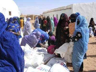 """""""Hodeien seme-alaben lurraldea"""", Mendebaldeko Sahararen egoera Llantenon hizpide"""