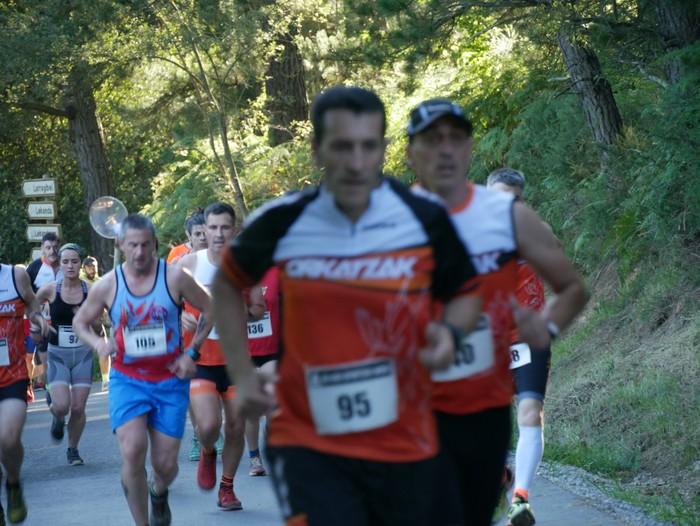 Felipe Larrazabal eta Maider Urtaran garaile San Joan Astobitzako krosean - 13