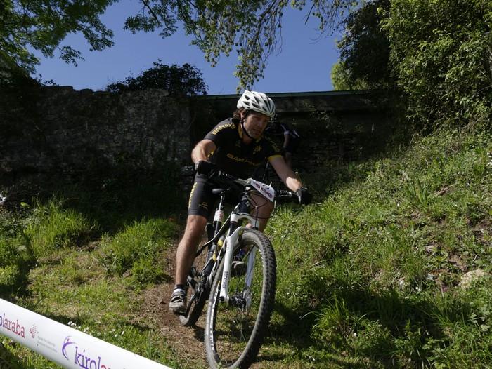 Zuriñe Frutosek eta Iñaki Isasik irabazi dute Aiarako Mendi Duatloia - 60