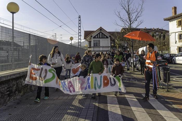 """ARGAZKIAK: """"Aiaraldea euskaldun!"""" lemapean konpromiso eta maitasunez bete da Amurrio - 105"""