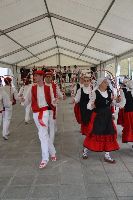 Untzueta dantza taldeak 35. urteurrena ospatu zuen atzo - 29