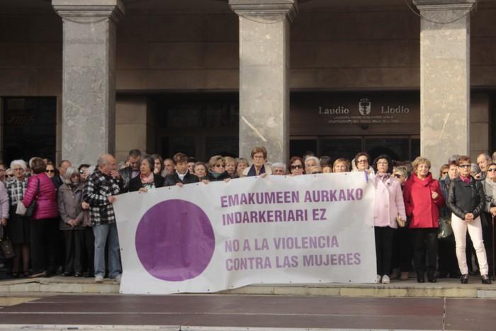 Indarkeria matxistaren aurka mobilizatu dira eskualde osoan - 61