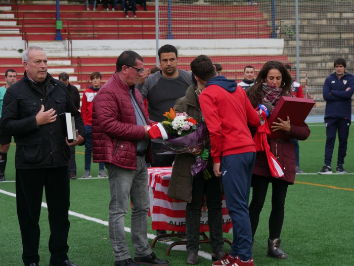 Futbol txapelketa egin dute Jon Urkijo Labururen omenez - 4