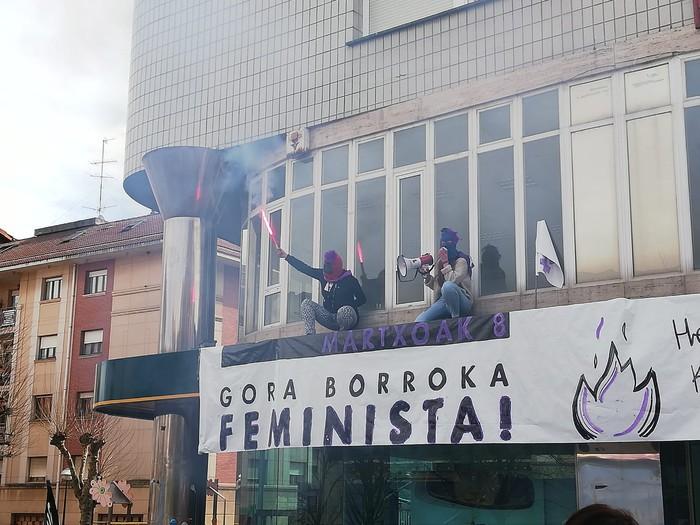 Ehundik gora emakume batu dira Amurrioko goizeko ekintzetara - 29