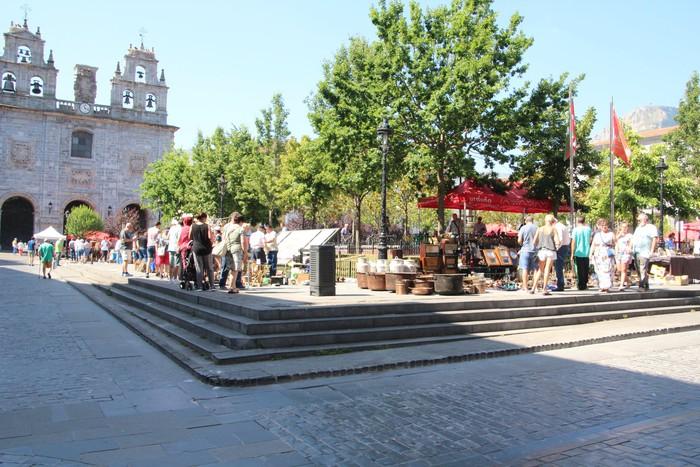 Antzinako gauzen azoka antolatu zuten atzo Urduñako Foru plazan  - 42
