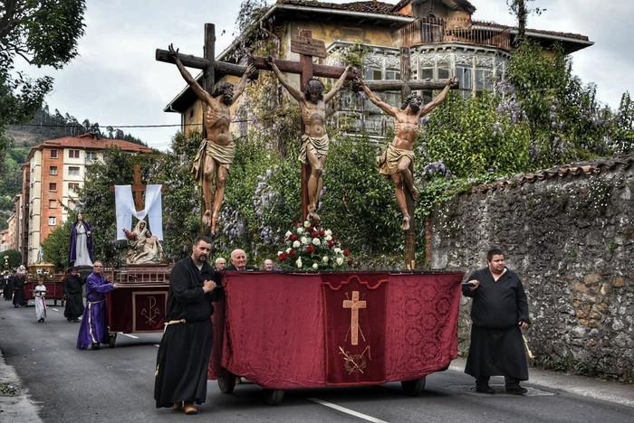 Laudion ere prozesioak hartu zuen kalea Ostiral Santuan - 14