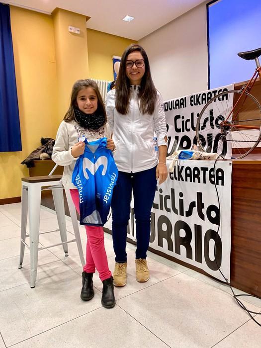 Lourdes Oyarbide Movistarreko txirrindulariak solasaldia eskaini zuen ostiralean Amurrion - 7