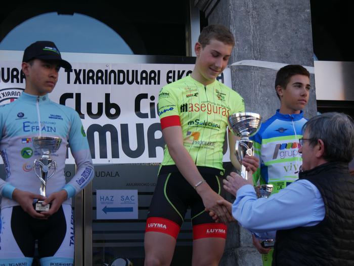 Pablo Fernandezek irabazi zuen sprintean Aiarako Birako lehen etapa - 107