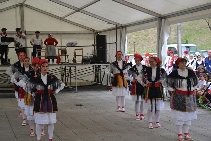 Untzueta dantza taldeak 35. urteurrena ospatu zuen atzo - 20