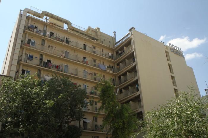 Victoria Squaren eta Hotel plazan laguntzen jarraitu dute Hesihesekoek - 7
