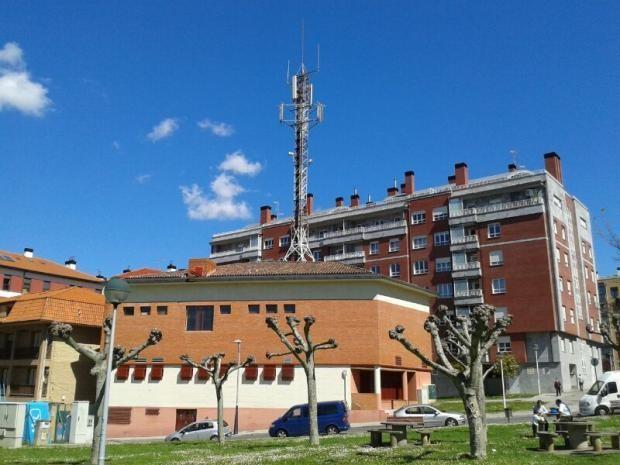 Telefonicak ez du antena Latiorrotik mugitu behar, epaileak arrazoia eman baitio