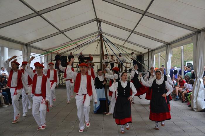 Untzueta dantza taldeak 35. urteurrena ospatu zuen atzo - 87