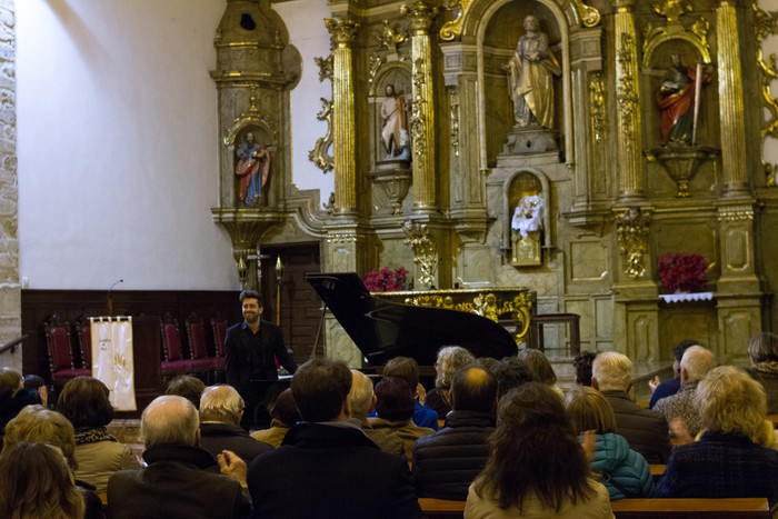 Antonio Oyarzabalek piano kontzertu jendetsua eskaini zuen atzo - 13