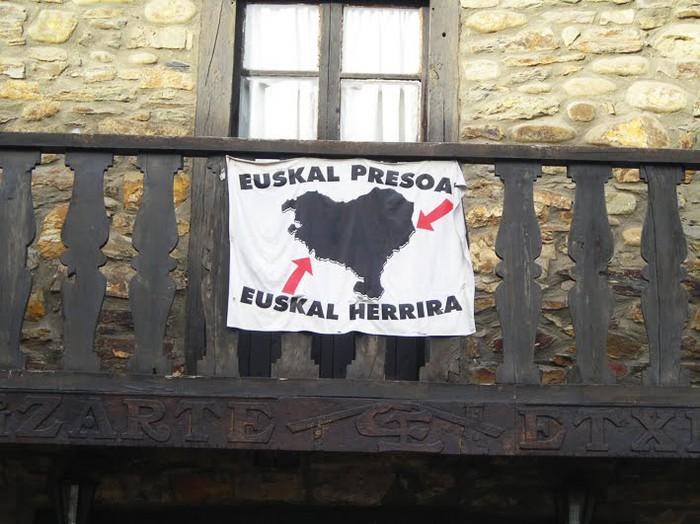146 sinadura bildu dituzte Arrankudiaga-Zollon, presoen eskubideen alde