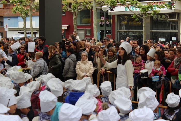 San Anton plazan egin dute umeek San Prudentzioko danborrada - 37