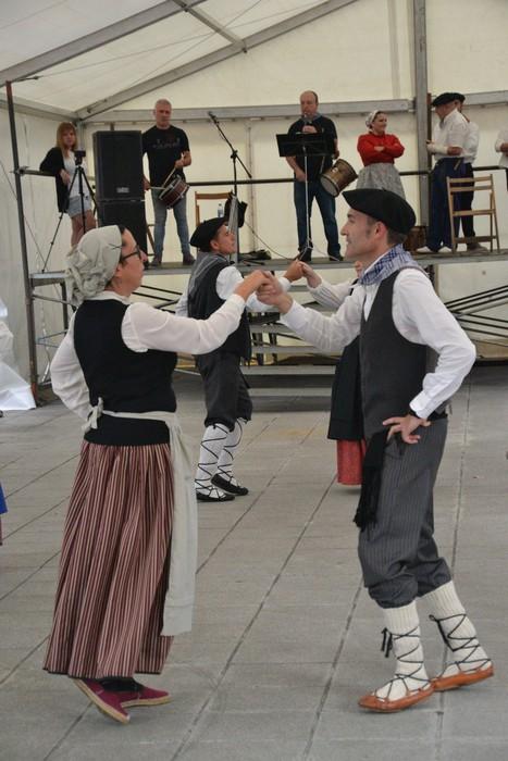 Untzueta dantza taldeak 35. urteurrena ospatu zuen atzo - 13