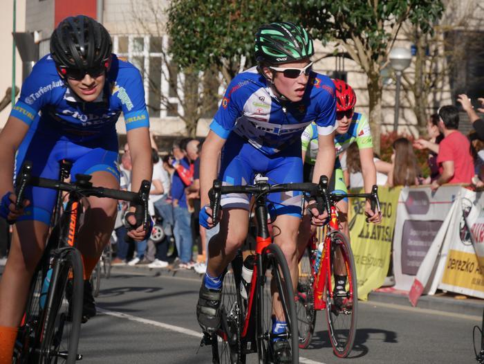 Pablo Fernandezek irabazi zuen sprintean Aiarako Birako lehen etapa - 90