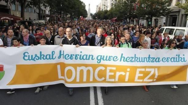 Herriko zenbait eragilek idazki bat sinatu dute LOMCE legearen aurka