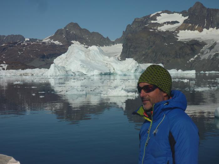 [UDARIKLIK] Groenlandian eskalatzeko icebergak ekidin behar izan ditu Zigor Egiak - 4