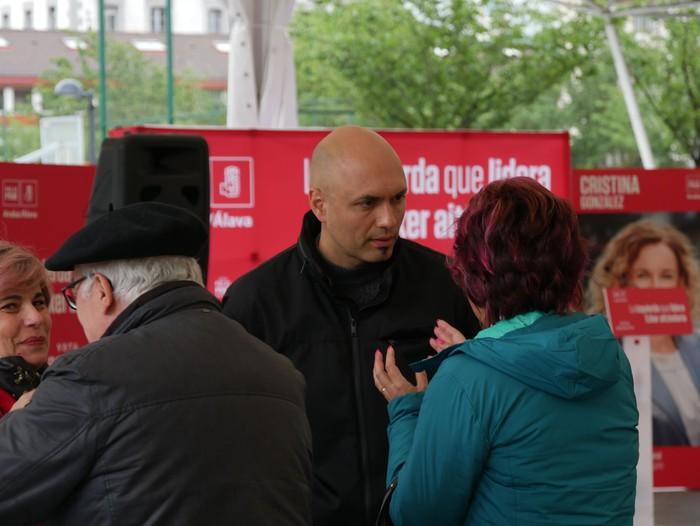 """PSE-EE: """"Sozialisten aldetik soilik etorri daiteke aldaketa"""" - 7"""