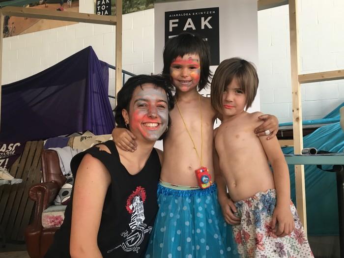 Aiaraldeko emakume feministen topaketa argazkitan - 82