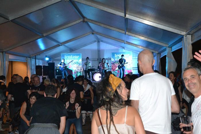 Untzueta dantza taldeak 35. urteurrena ospatu zuen atzo - 100