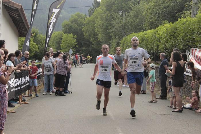 Jon Durana eta Maider Urtaran garaile San Joan Astobitzako krosean - 57