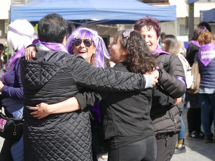 Ehunka emakume* grebalarik hartu dituzte Aiaraldeko kale eta plazak - 84