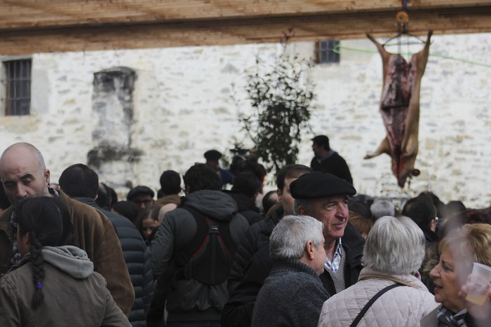 Ehunka ekoizlek eta bisitarik egin dute bat San Anton azokan - 70