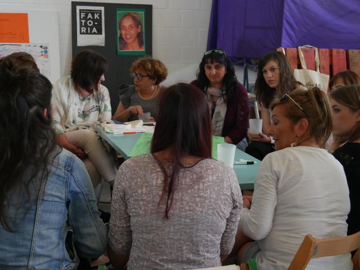 Aiaraldeko emakume feministen topaketa argazkitan - 54