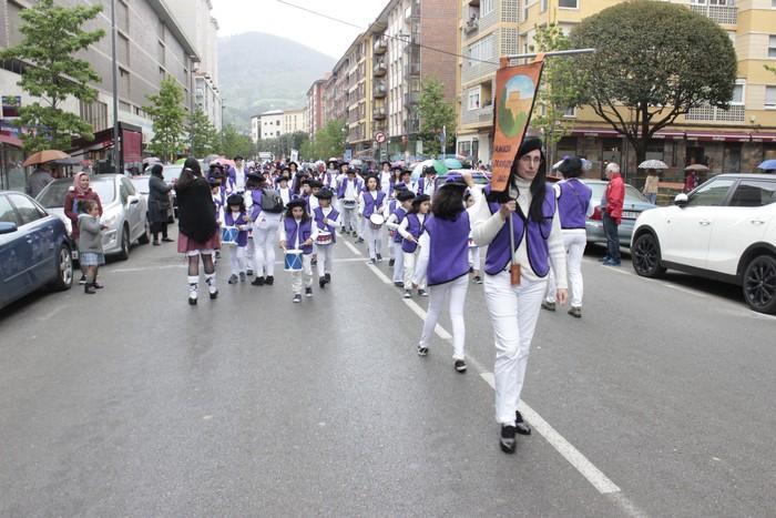 Danbor hotsez bete dituzte bazterrak Laudio eta Amurrioko eskolek - 106