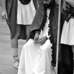Laudioko kaleak hartu dituzte Aste Santuko prozesio kristauek