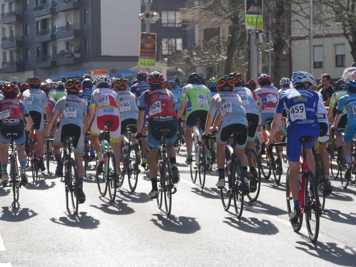 Pablo Fernandezek irabazi zuen sprintean Aiarako Birako lehen etapa - 84