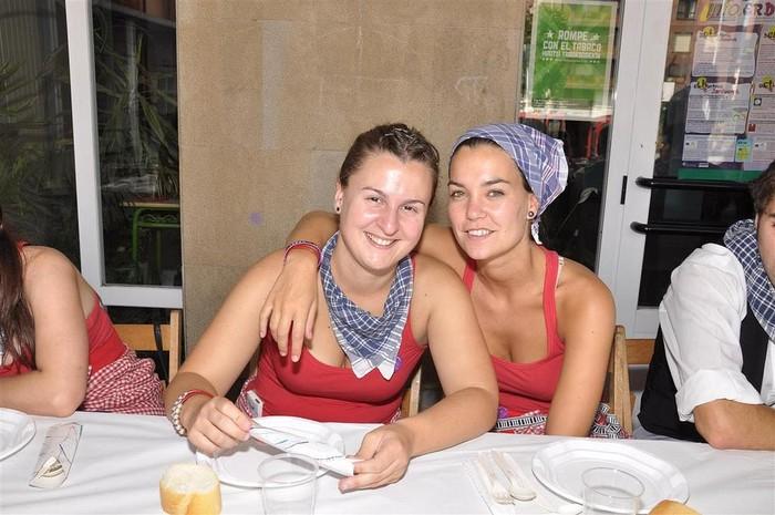 Laudioko Jaiak 2011: Kuadrillen Bazkaria 7 - 8