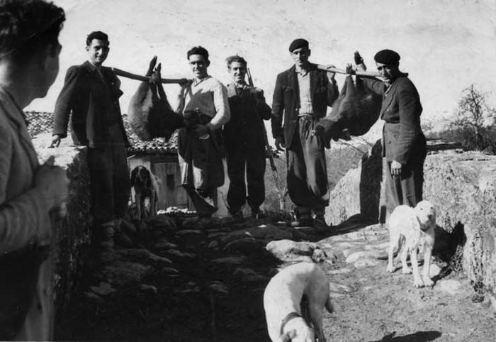 Aztarna elkarteak historiari buruzko pieza etnografikoen erakusketarako bisita gidatuak eskainiko ditu