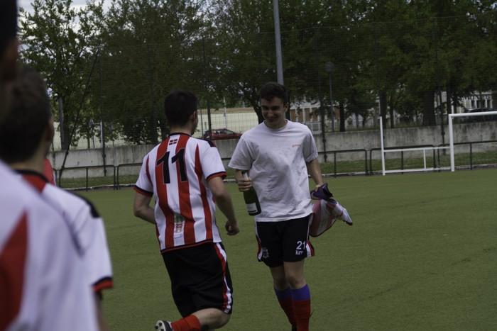 CD Laudioko gazteek lortu dute sailkapena Euskal Ligako play-offak jokatzeko - 71