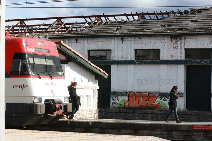 Aiarako eta inguruko alkateek bilera eskatu dute RENFEko iparraldeko arduradunarekin
