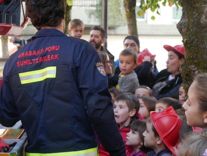 Suhiltzaileen eta Babes Zibilaren lana gertutik ezagutzeko parada egon da Prebentzioaren Astean - 31