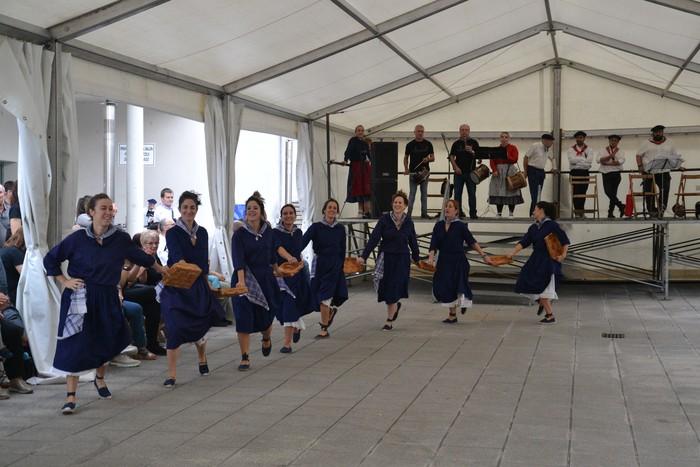 Untzueta dantza taldeak 35. urteurrena ospatu zuen atzo - 47