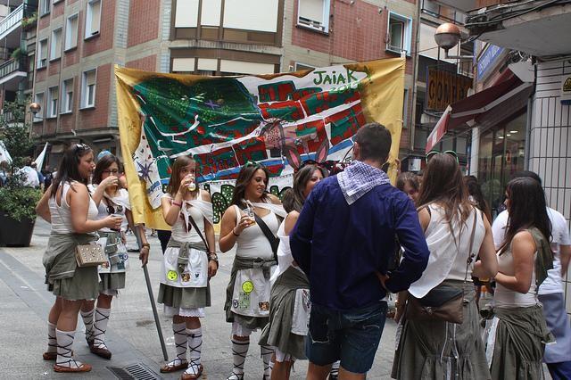 Jai talde historikoak berreskuratuko dituzte aurtengo sanrokeetan