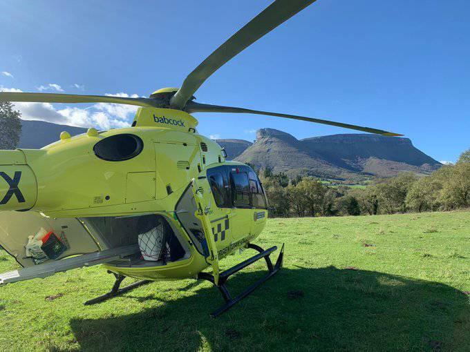 Abere batek zapaldu ostean, erietxera eraman dute pertsona bat helikopteroz