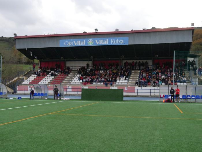 Futbol txapelketa egin dute Jon Urkijo Labururen omenez - 6