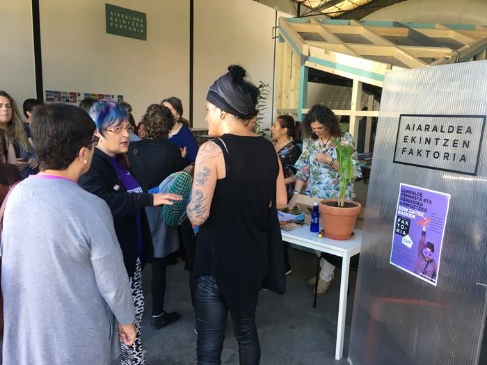 Aiaraldeko emakume feministen topaketa argazkitan - 14