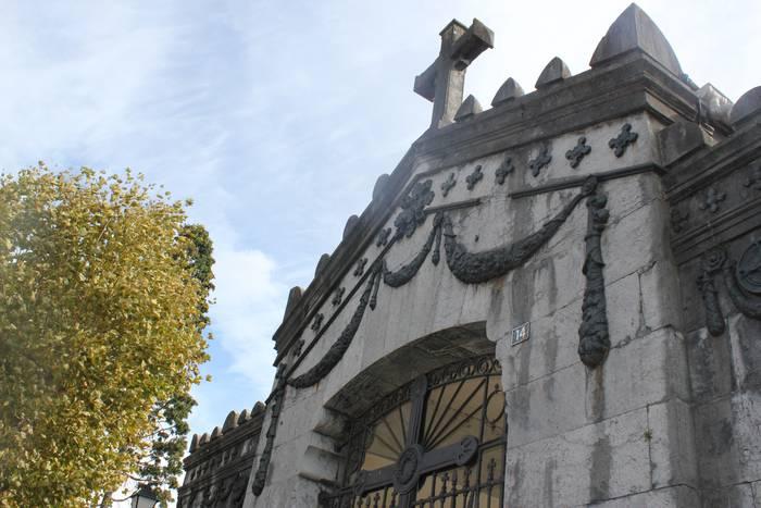 Lanegun goizetan egin ahalko dira soilik lurperatzeak San Martingo hilerrian