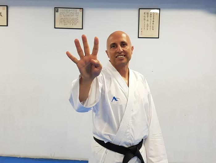 Karateko 4. Dana lortu Angel Dazak Logroñon