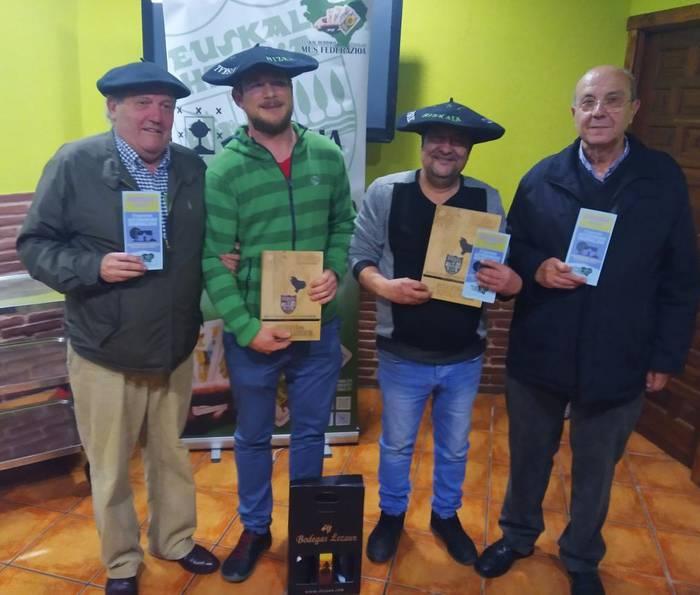 Pepe Hernandez eta Arkaitz Larrazabal izan dira Bizkaiko Mus Txapelketako irabazleak