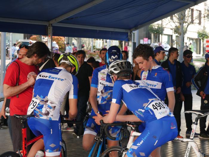 Pablo Fernandezek irabazi zuen sprintean Aiarako Birako lehen etapa - 104