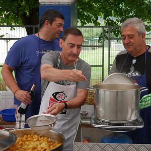 Bertsolaritza, gastronomia... ekintza andana prestatu dituzte gaur goizean Orozkoko Jaietan